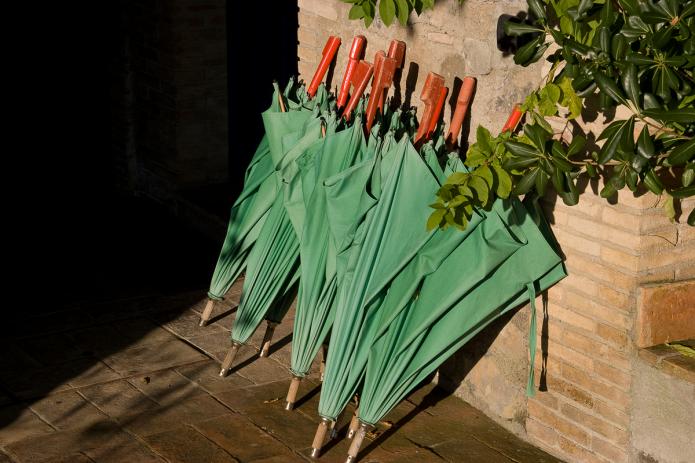 Fotografia, ombrelli a riposo